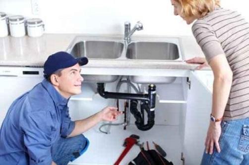 Lavabo bouché à Frejus? Faites appel à un plombier et évitez la catastrophe !